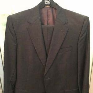 Jos A. Banks Mens Charcoal Signature GOLD Suit